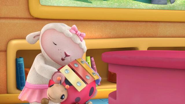 File:Lambie hugs xyla.jpg