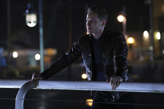 File:Once Upon a Time - 6x12 - Murder Most Fowl - Photography - David.jpg