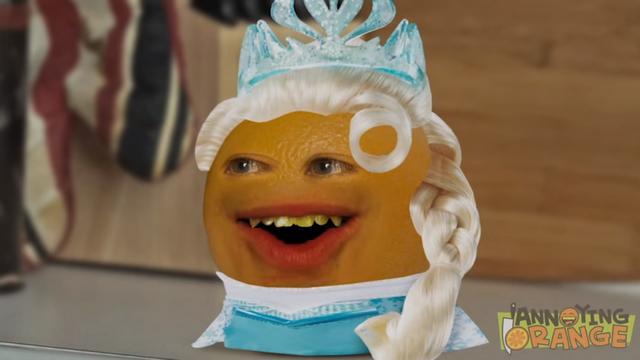 File:Annoying Orange dressed as Elsa.png