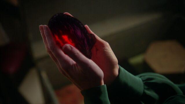 File:Once Upon a Time - 3x18 - Bleeding Through - Regina's Dark Heart.jpg