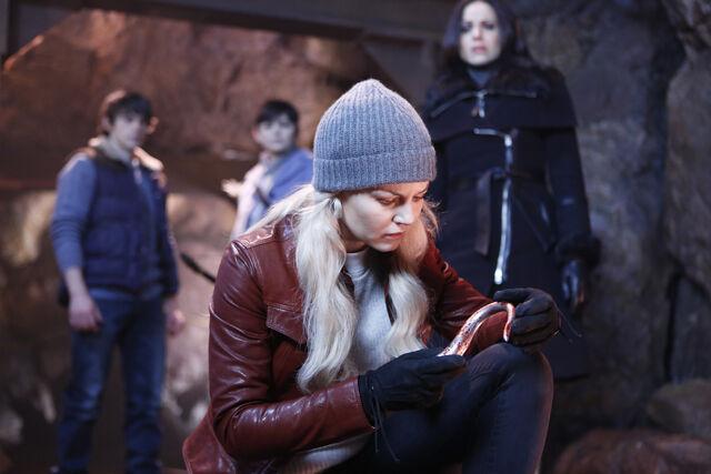 File:OUAT Season 5 Episode 13 10.jpg