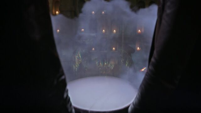 File:Once Upon a Time - 5x06 - The Bear and the Bow - Hologram.jpg