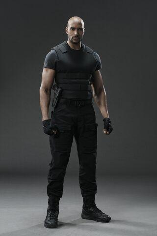 File:Agents of S.H.I.E.L.D. - Season 3 - Agents Mack.jpg