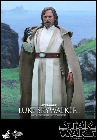 File:Hot-Toys-Star-Wars-The-Force-Awakens-Luke-Skywalker-Collectible-Figure .jpg