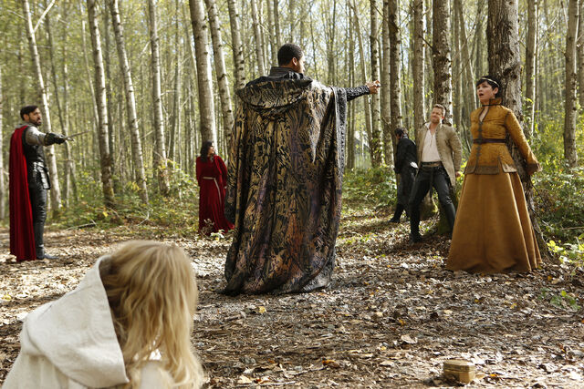 File:Once Upon a Time - 5x08 - Birth - Released Image - Merlin Controlled.jpg