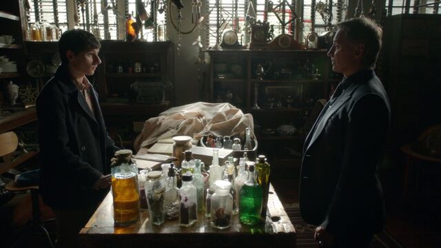 File:Once Upon a Time - 6x21 - The Final Battle Part 2 - Henry and Gold.jpg