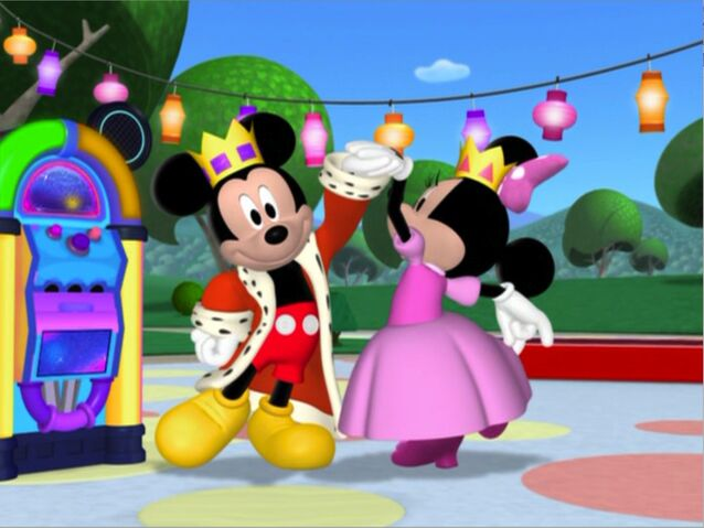 File:MinniesMasquerade - Prince Mickey and Princess Minnie.jpg