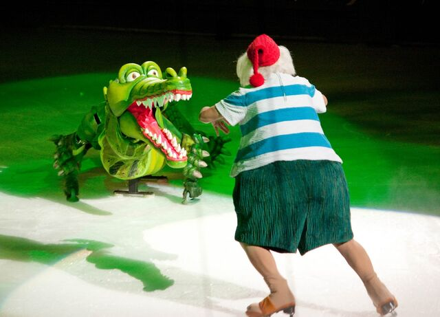 File:Crocodile-on-Disney-Ice.jpg
