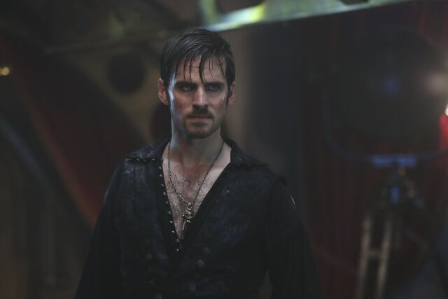 File:Once Upon a Time - 6x06 - Dark Waters - Photgraphy - Hook 3.jpg