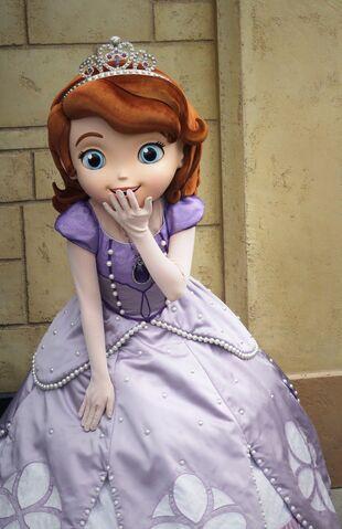 File:Sofia at Disney Parks 2.jpg