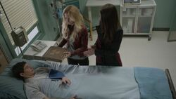 Once Upon a Time - 6x21 - The Final Battle Part 1 - Henry in Hospital