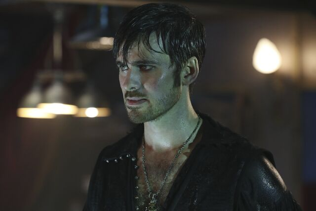 File:Once Upon a Time - 6x06 - Dark Waters - Photgraphy - Hook 6.jpg