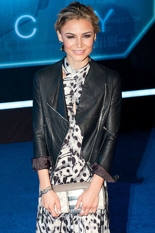 File:Samaire Armstrong, 2010.jpg