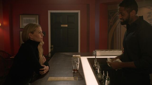 File:Once Upon a Time - 6x15 - A Wondrous Place - Emma and Aesop.jpg