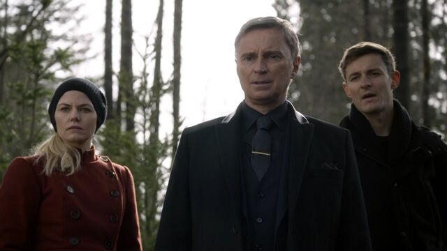 File:Once Upon a Time - 6x19 - The Black Fairy - Emma, Gold and Gideon.jpg
