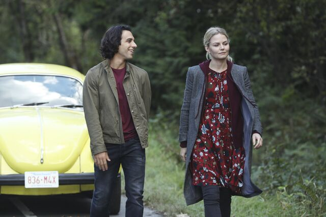 File:Once Upon a Time - 6x06 - Dark Waters - Photgraphy - Aladdin and Emma 3.jpg