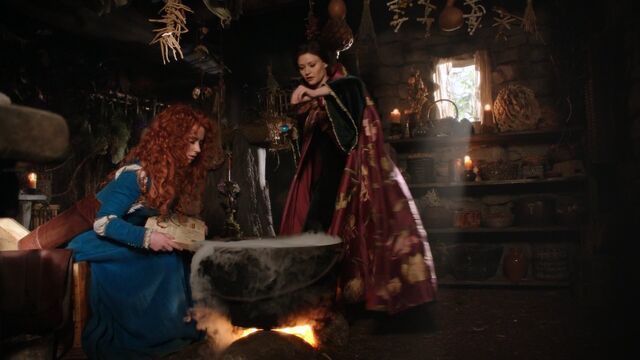 File:Once Upon a Time - 5x06 - The Bear and the Bow - Belle and Merida.jpg