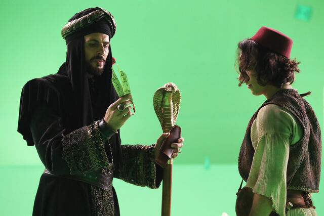 File:Once Upon a Time - 6x05 - Street Rats - Production Images - Jafar and Aladdin 2.jpg