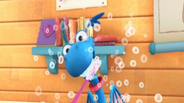 File:Stuffy brushing his teeth.jpg