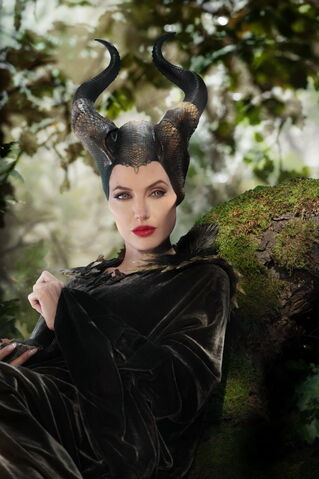 File:Maleficent-(2014)-219.jpg