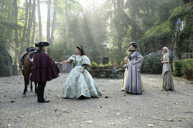 File:Once Upon a Time - 6x03 - The Other Shoe - Photography - Cinderella with Stepmother and Sisters 2.jpg