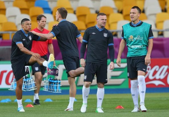 File:England training .jpg
