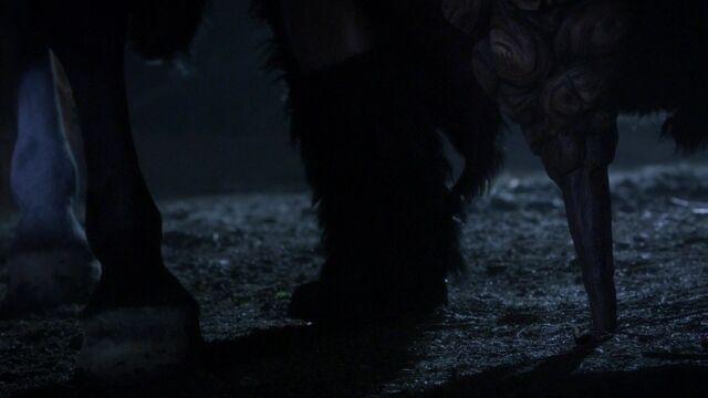 File:Fergus's Leg OUAT.jpg
