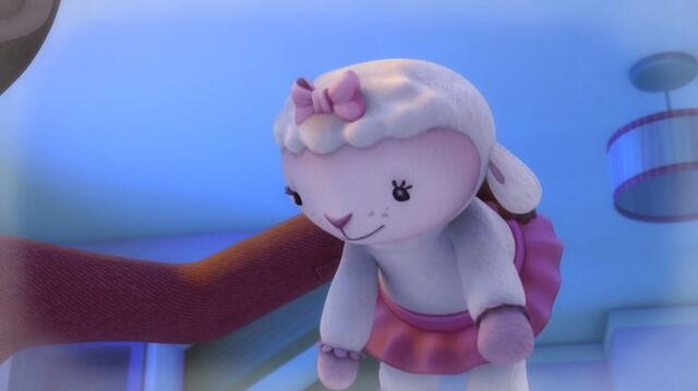 File:Stuffed lambie.jpg