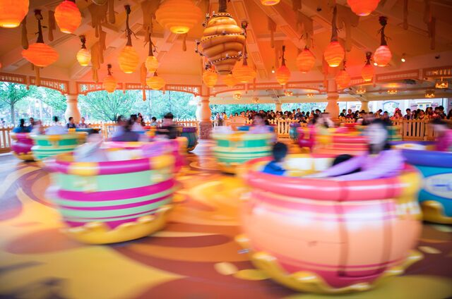 File:Winnie-the-Pooh-Hunny-Pot-Spin-attraction-in-the-Hundred-Acre-Wood-section-of-Fantasyland.jpg