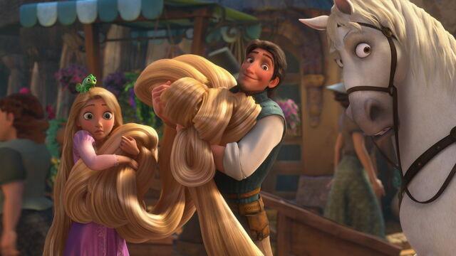 File:Disney-tangled-flynn-rapunzel-pascal-mothergothel-tangled-17082075-1280-690.jpg