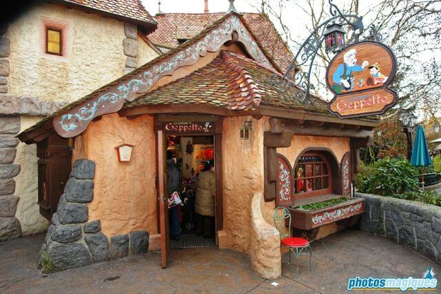 File:La Bottega di Geppetto shop.jpg