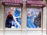 Anna-and-Elsa-on-Main-Street-at-Disneyland-Paris-disney-frozen-36017507-800-598