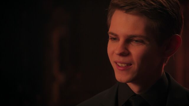 File:Once Upon a Time - 5x12 - Souls of the Departed - Peter Pan 2.jpeg