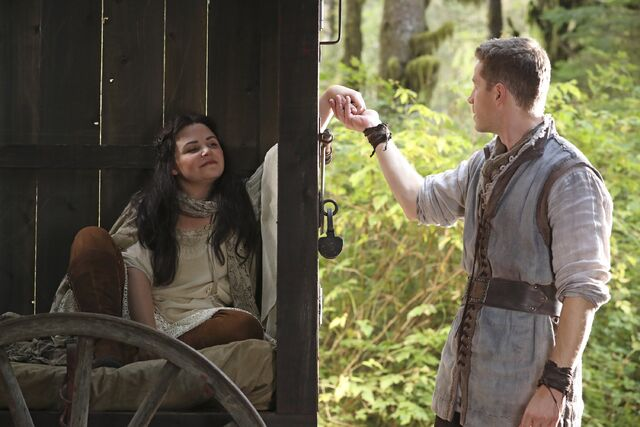 File:Once Upon a Time - 6x07 - Heartless - Photography - David and Snow 4.jpg