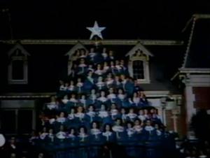File:1962-holiday-time-disneyland-09.jpg
