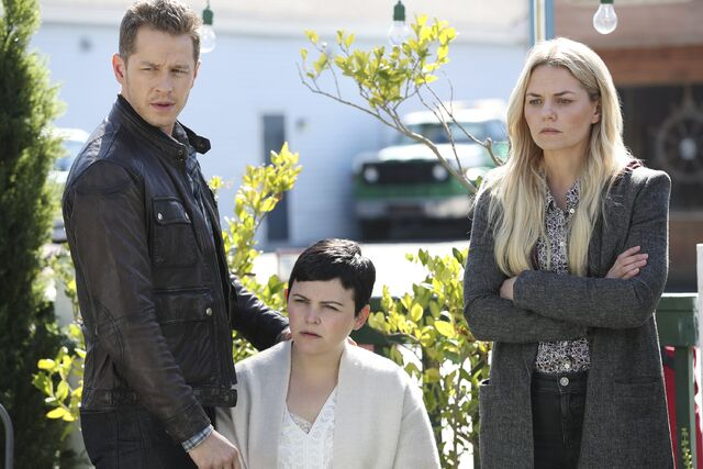 File:Once Upon a Time - 6x07 - Heartless - Promotional Images - David, Snow and Emma.jpg
