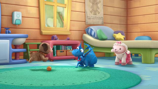 File:Stuffy speaking dog to findo.jpg