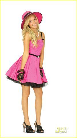 File:Sharpay-fab-fashion-tips-05.jpg