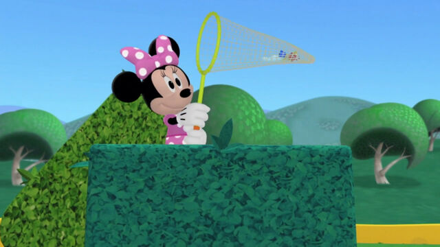 File:Minnie catches the toy marcher.jpg