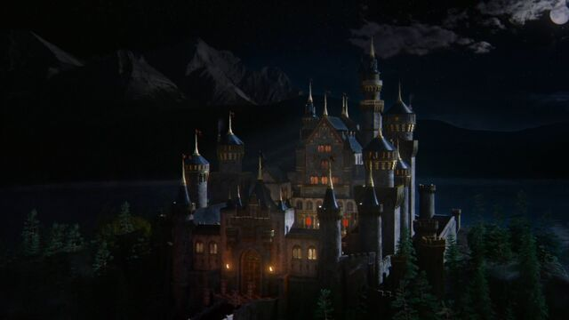 File:Once Upon a Time - 5x06 - The Bear and the Bow - Camelot Castle.jpg