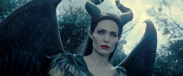 File:Maleficent-(2014)-337.jpg