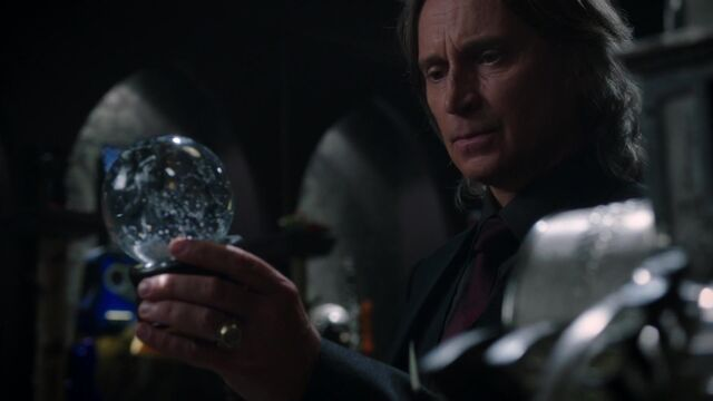 File:Once Upon a Time - 5x08 - Birth - Mr. Gold.jpg