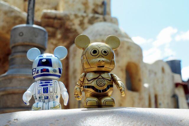 File:01 Star Wars - R2 and C3P0 04.jpg