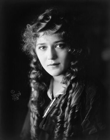 File:Mary Pickford cph.3c17995u.jpg