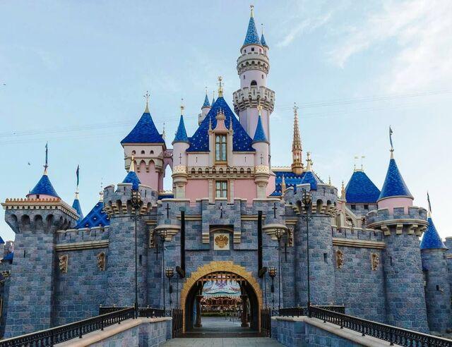 File:Sleeping Beauty Castle DLR.jpg