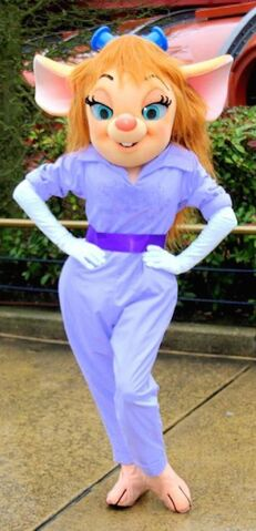 File:Gadget Hackwrench poses for a photo at Disneyland.jpg