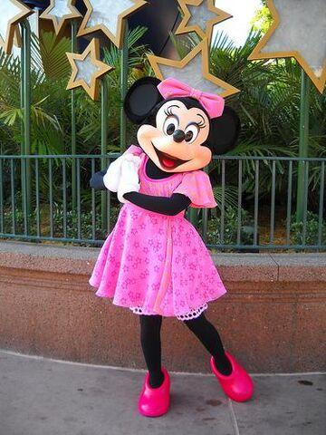 File:Minnie.Hollywoodstudios.jpg