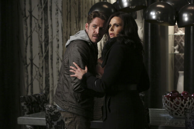 File:Once Upon a Time - 5x21 - Last Rites - Released Images - Robin and Regina.jpg