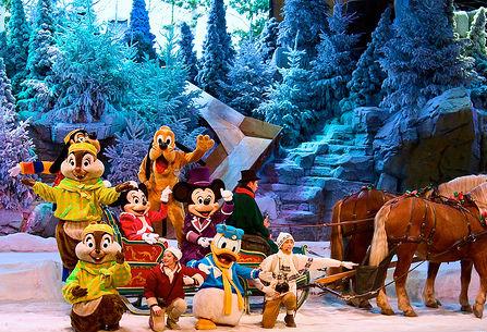 File:Mickey's winter wonderland.jpg