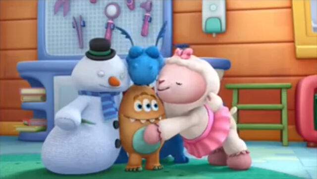 File:Lambie, stuffy and chilly cuddle charlie.jpg